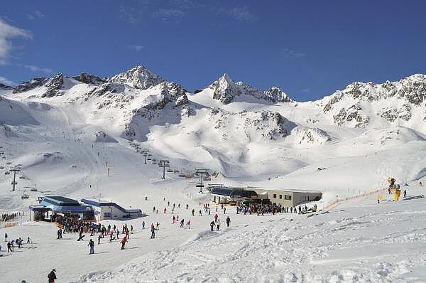 Saisoneröffnung auf dem Stubaier Gletscher
