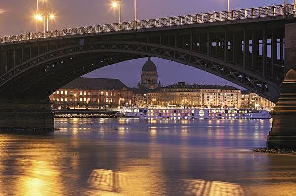 Mainz mit Abendschifffahrt